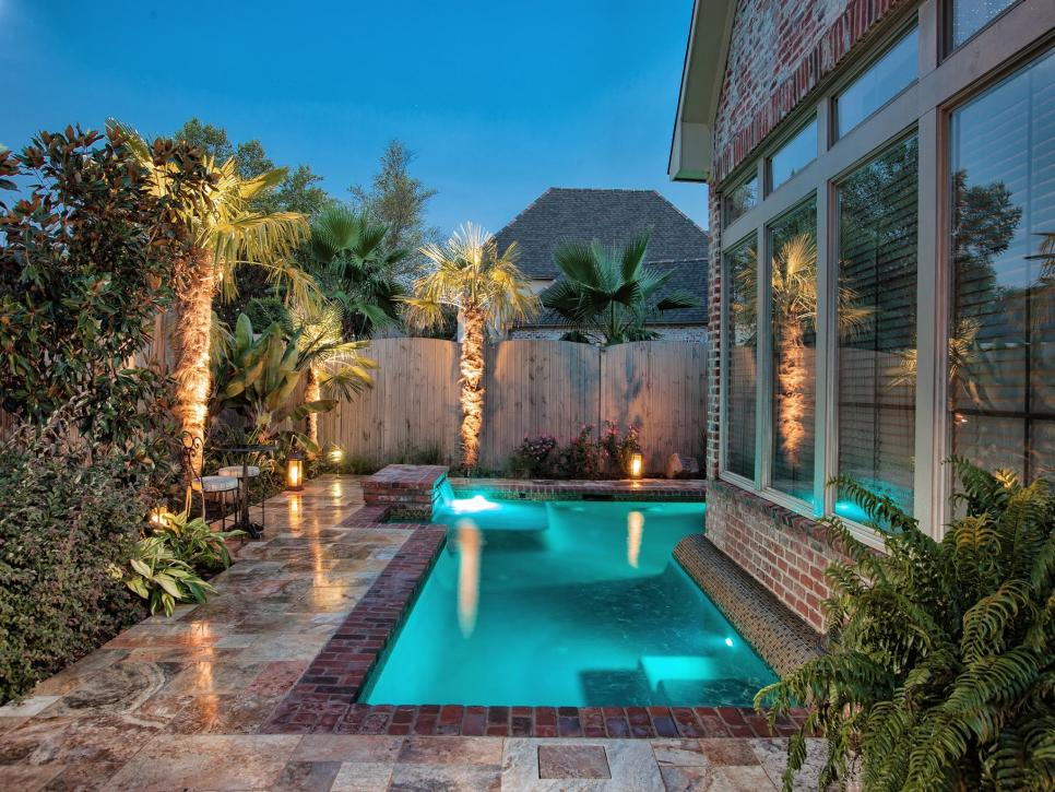 Small Vinyl Plunge Pool With Backyard Deck