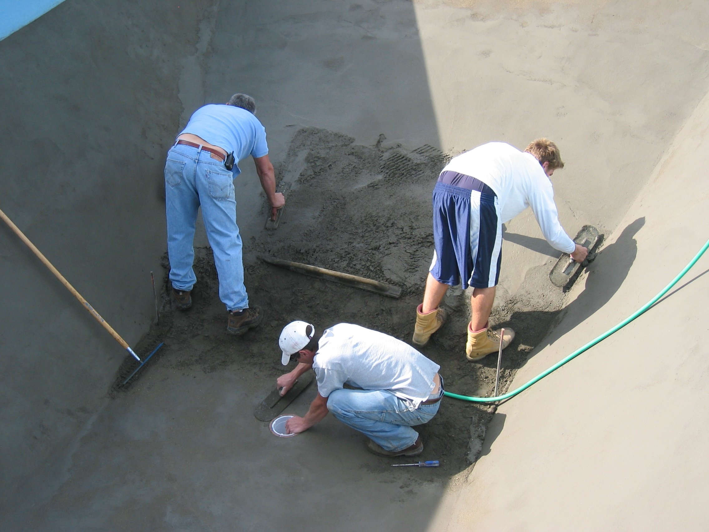 Concrete or Vermiculite for Vinyl-Liner Pools?| Pool & Spa News