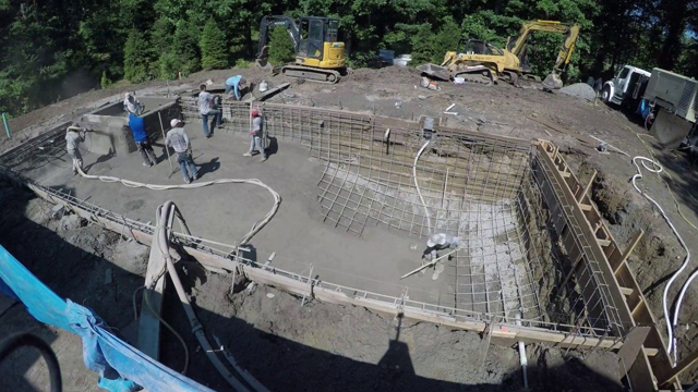 What Does a Pool Contractor Do?