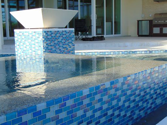 How Do I Choose A Pool Tile?