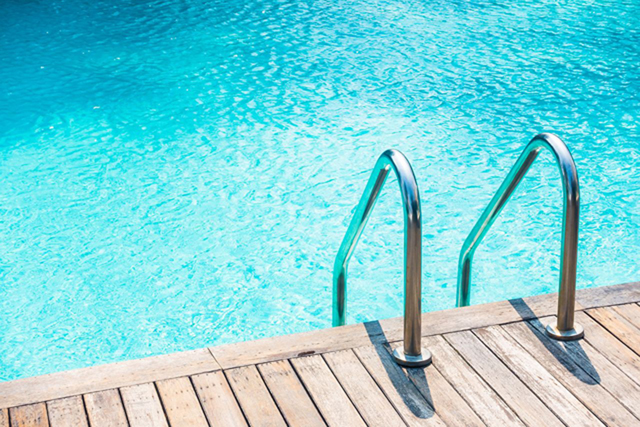 Can You Acid Wash a Pool Without Draining?