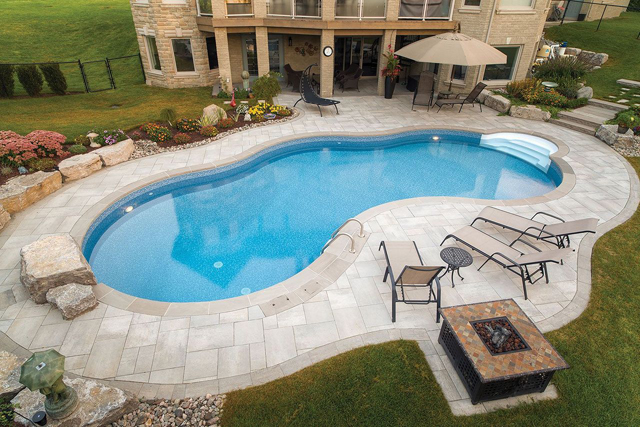 Are vinyl pools cheaper than fiberglass pools?