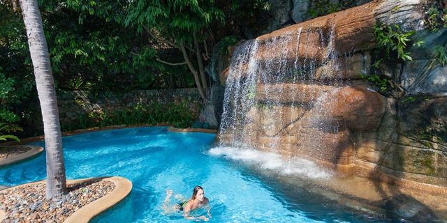 How Does a Pool Waterfall Work?